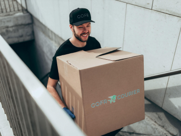 contactless package pick-up by gofr courier driver in toronto